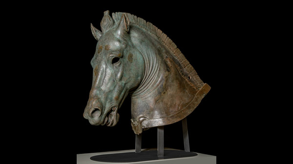 Corporate Calendar 2017 : Power and pathos bronze sculpture of the hellenistic