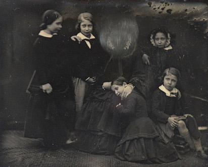 image: Queen Victoria with the Princess Royal, the Prince of Wales, Princess Alice, Princess Helena and Prince Alfred, 17 January 1852
