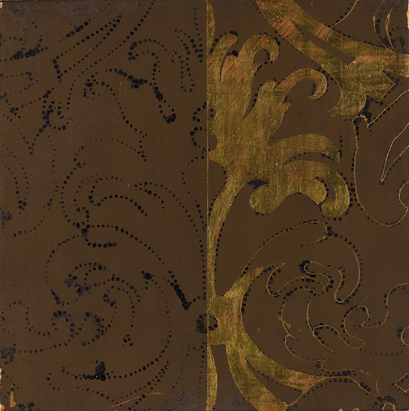 Demonstration image of estofado technique: tempera paint applied over gold leaf; patterned design transferred to the paint surface (left); paint scraped away within the pattern to reveal underlying gold (right)