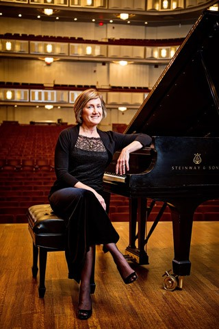 Lisa Emenheiser and friends from NSO perform at National Gallery of Art on Wednesday, March 22, 2017, 12:10 p.m., in the West Building, East Garden Court during the new noontime concert series Washingtonians on Wednesdays.