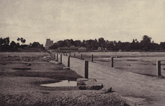 Linnaeus Tripe, Madura: The Vygay River, with Causeway, across to Madura, January – February 1858, albumen print. National Gallery of Art, Washington, The Carolyn Brody Fund and Horace W. Goldsmith Foundation through Robert and Joyce Menschel