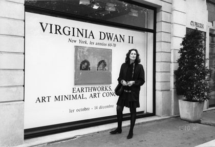 Virginia Dwan at the exhibitionVirginia Dwan II:Earthworks, Art Minimal, Art Conceptual, Galerie Montaigne, Paris, October 1991 Photo: Loic Malle Courtesy Virginia Dwan Archive