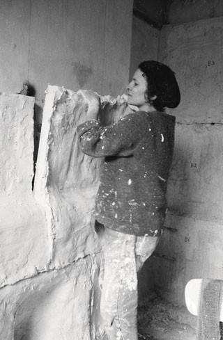 Rachel Whiteread casting Ghost in 1990, with details of the room at 486 Archway Road. Courtesy of the artist.