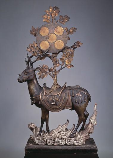 Unknown Artist, 'Deer Bearing Symbols of the Kasuga Deities', Nanboku-chō period, 14th century, bronze, Hosomi Museum